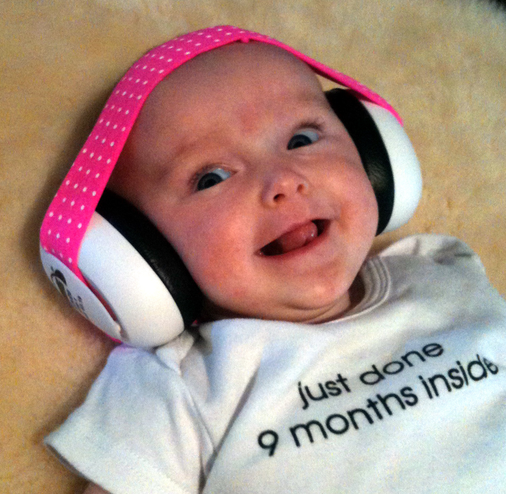 Em's Baby Ear Muffs for Noise(6mo+) Manufactured by Em's 4 Kids, a leader in hearing protection earmuffs for babies and children, these baby ear muffs for noise weigh in at a measly grams — or.4 lbs — which is great for small heads and developing necks.